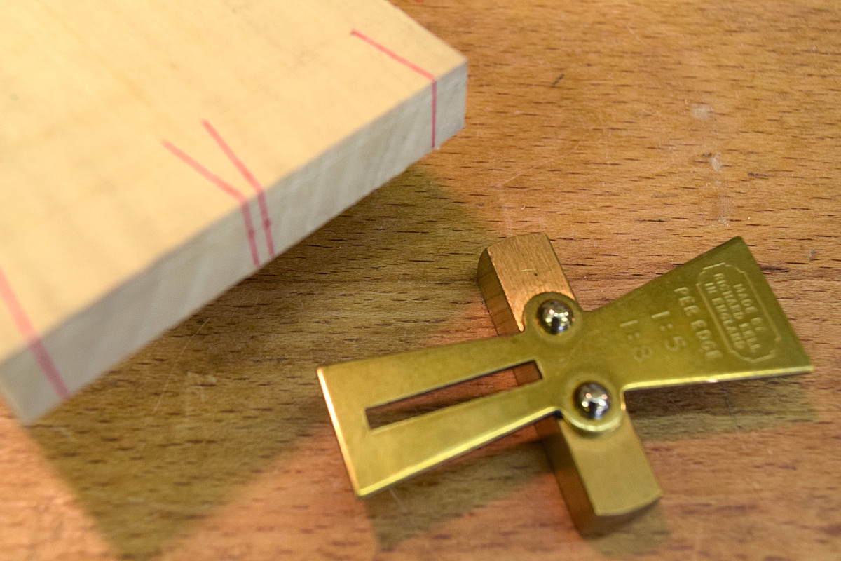 Marking the centre pin