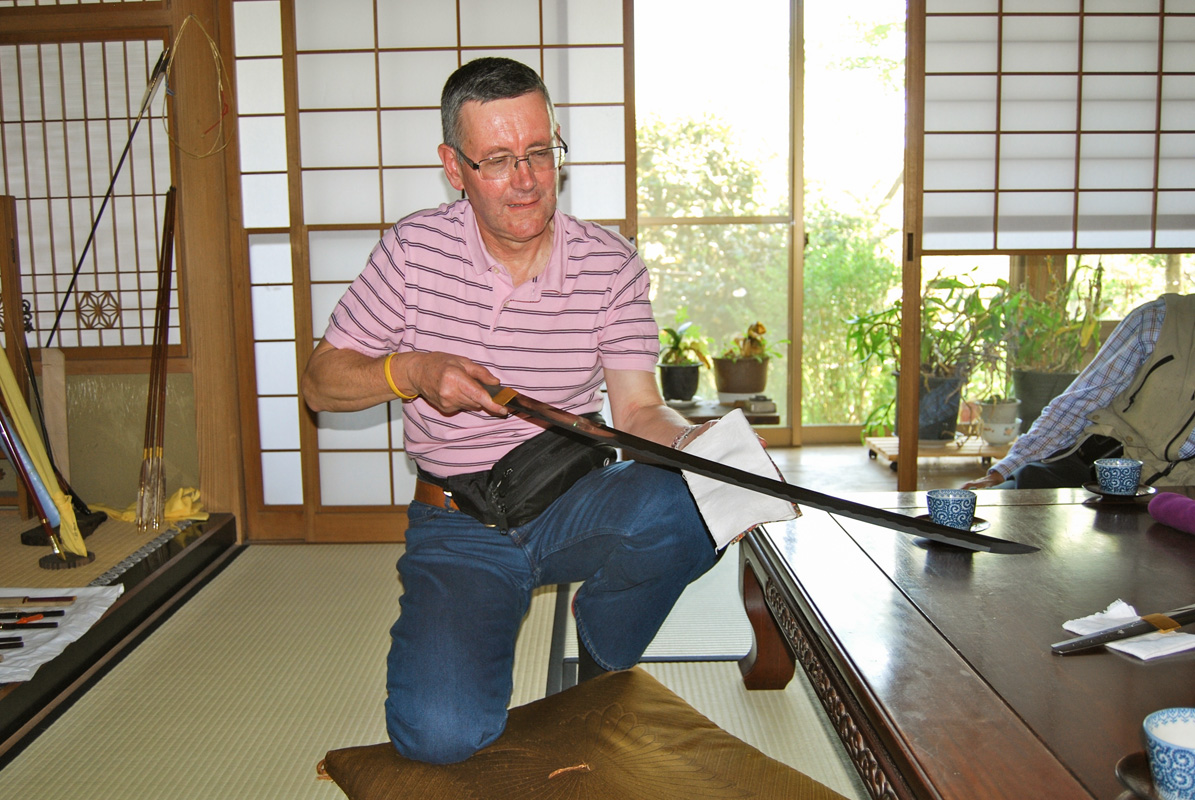 treating_the_back_of_a_japanese_chisel_01