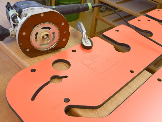Position jig across the end of the worktop