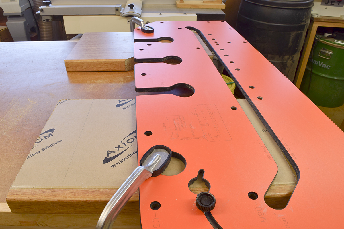 Clamp jig and worktop to workbench