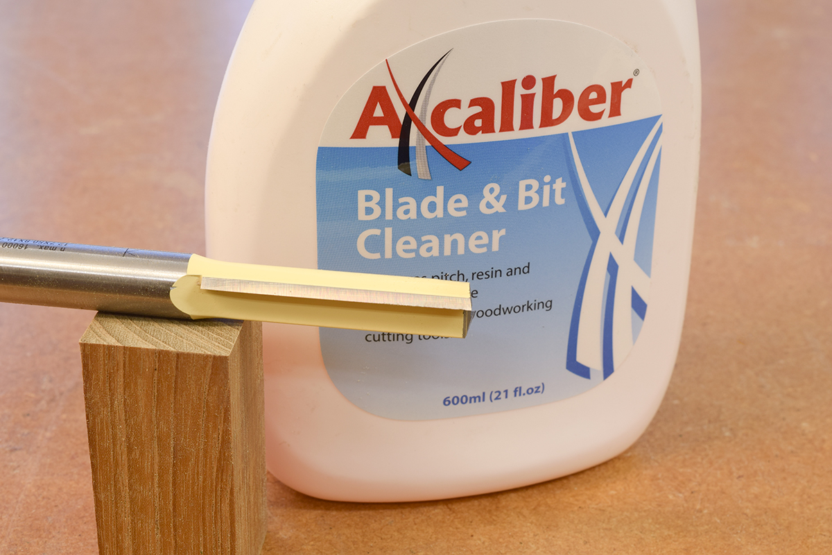 Blade and bit cleaner