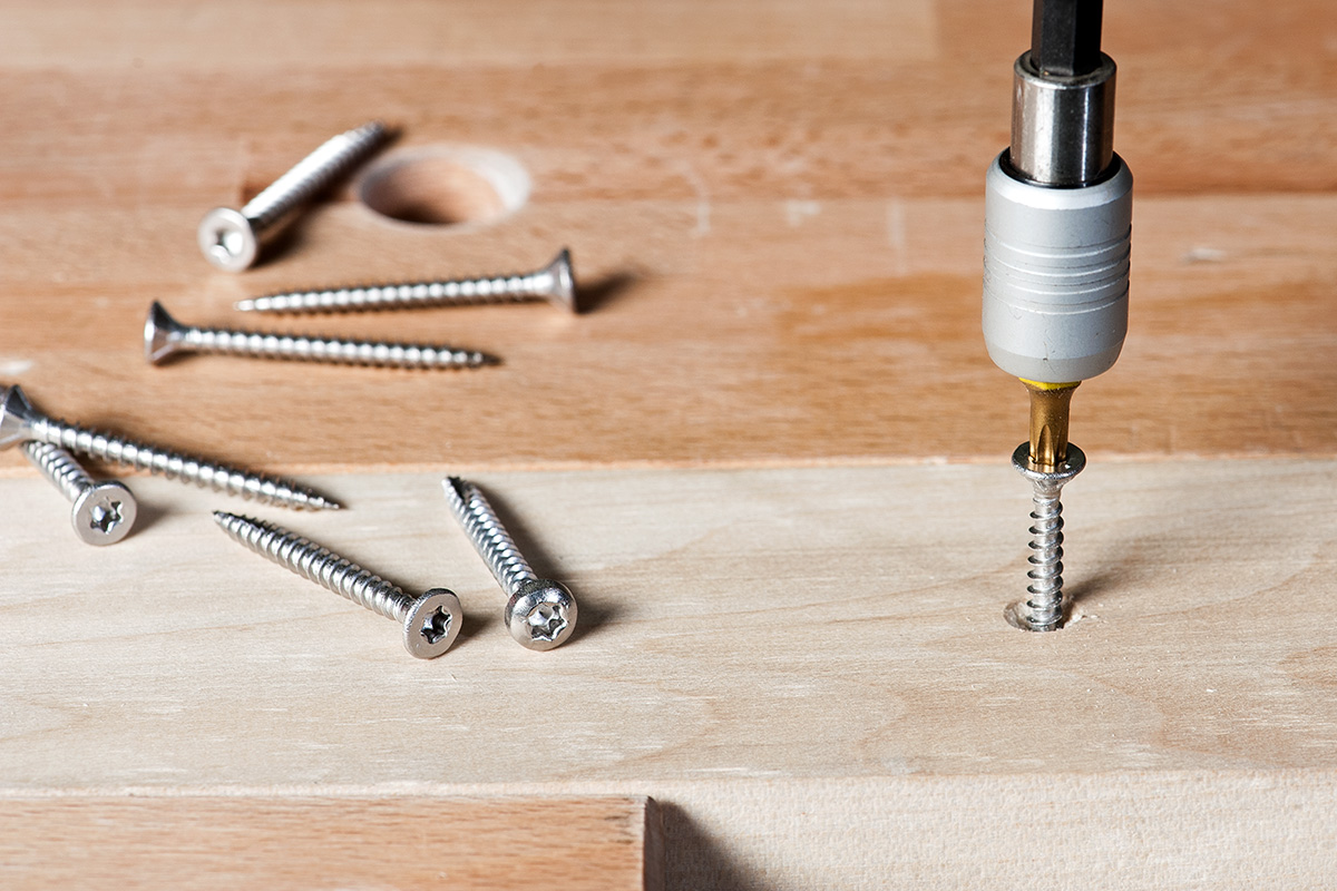 How to drive a screw correctly