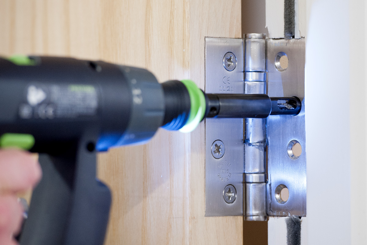 How To Use Screwdriver Bits Correctly - The Knowledge Blog