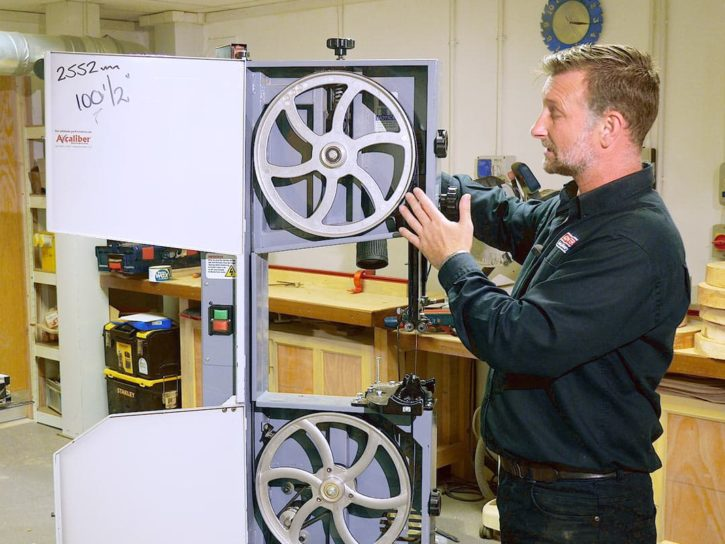 How to set up and fine tune your wood cutting bandsaw